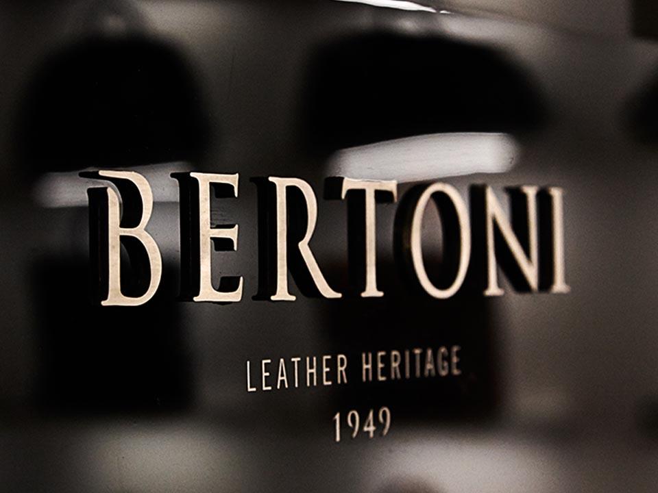 BERTONI 1949 OFFICIALLY OPENS ITS FIRST SHOWROOM IN MILAN, IN VIA BIGLI 11
