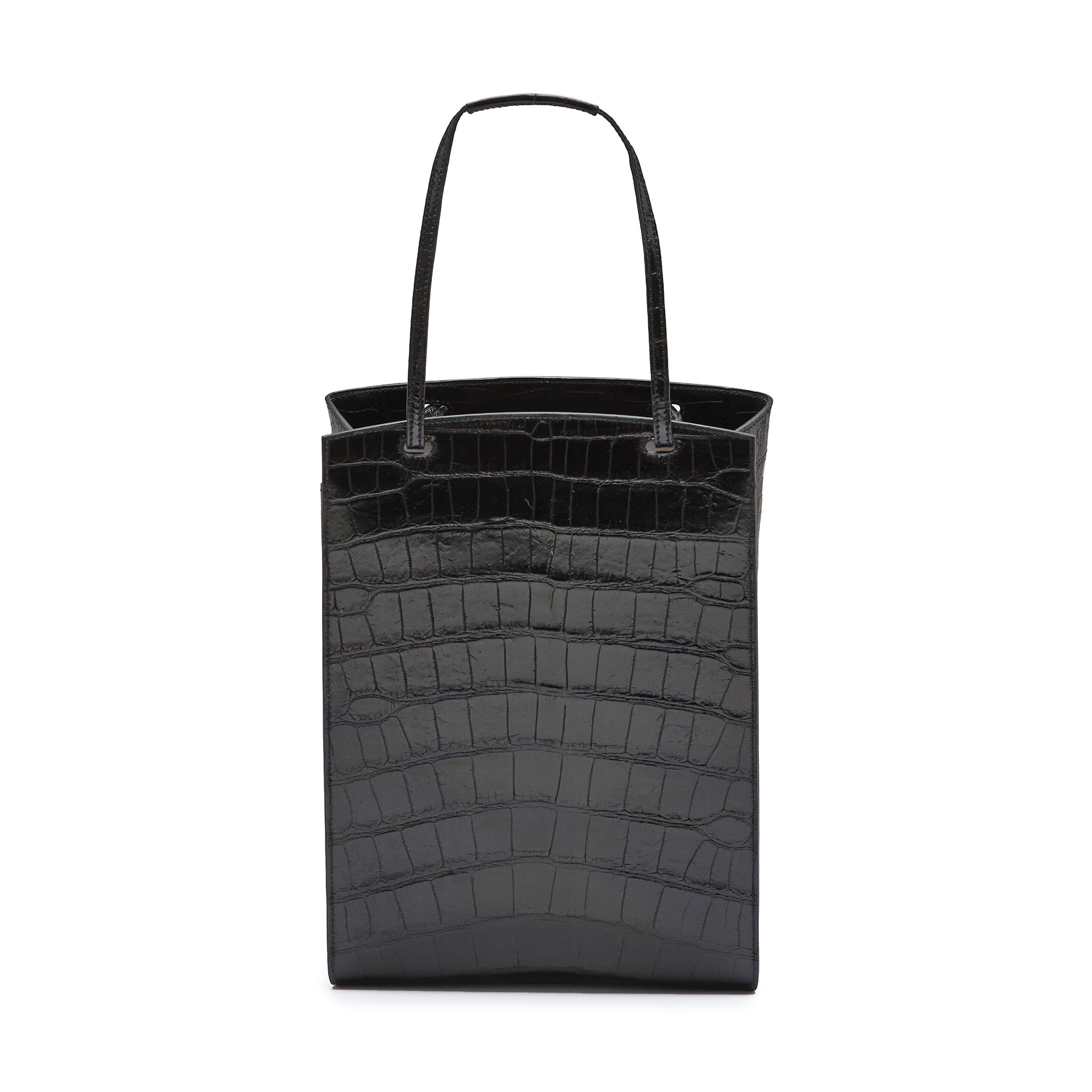 The black alligator Arizona bucket bag by Bertoni 1949 03