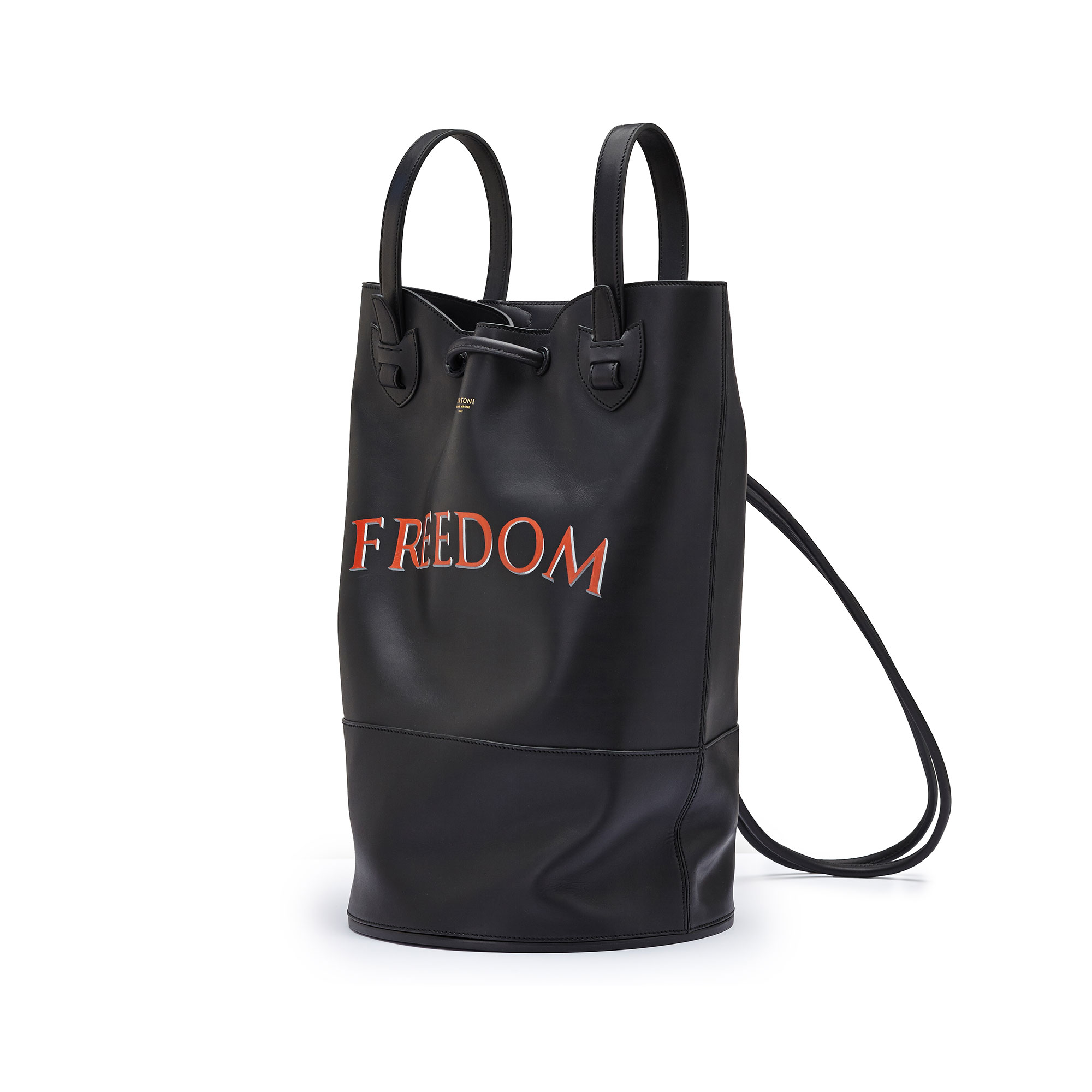 The black freedom french calf Marine Sac by Bertoni 1949 02