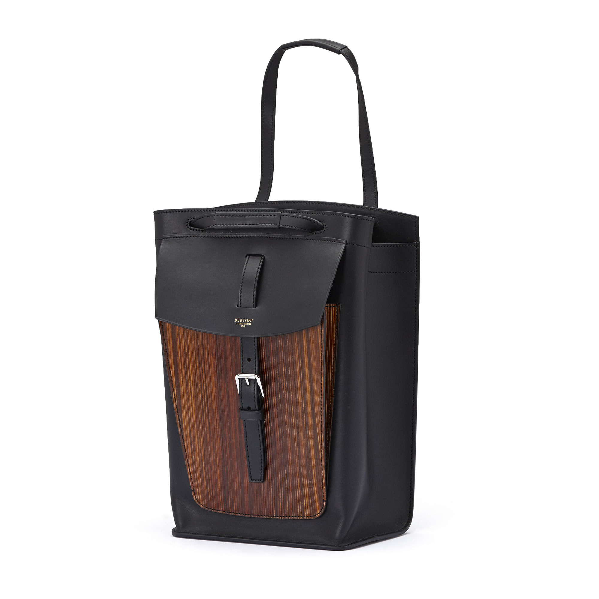 The black french calf, wood leather Arizona bucket bag by Bertoni 1949 02