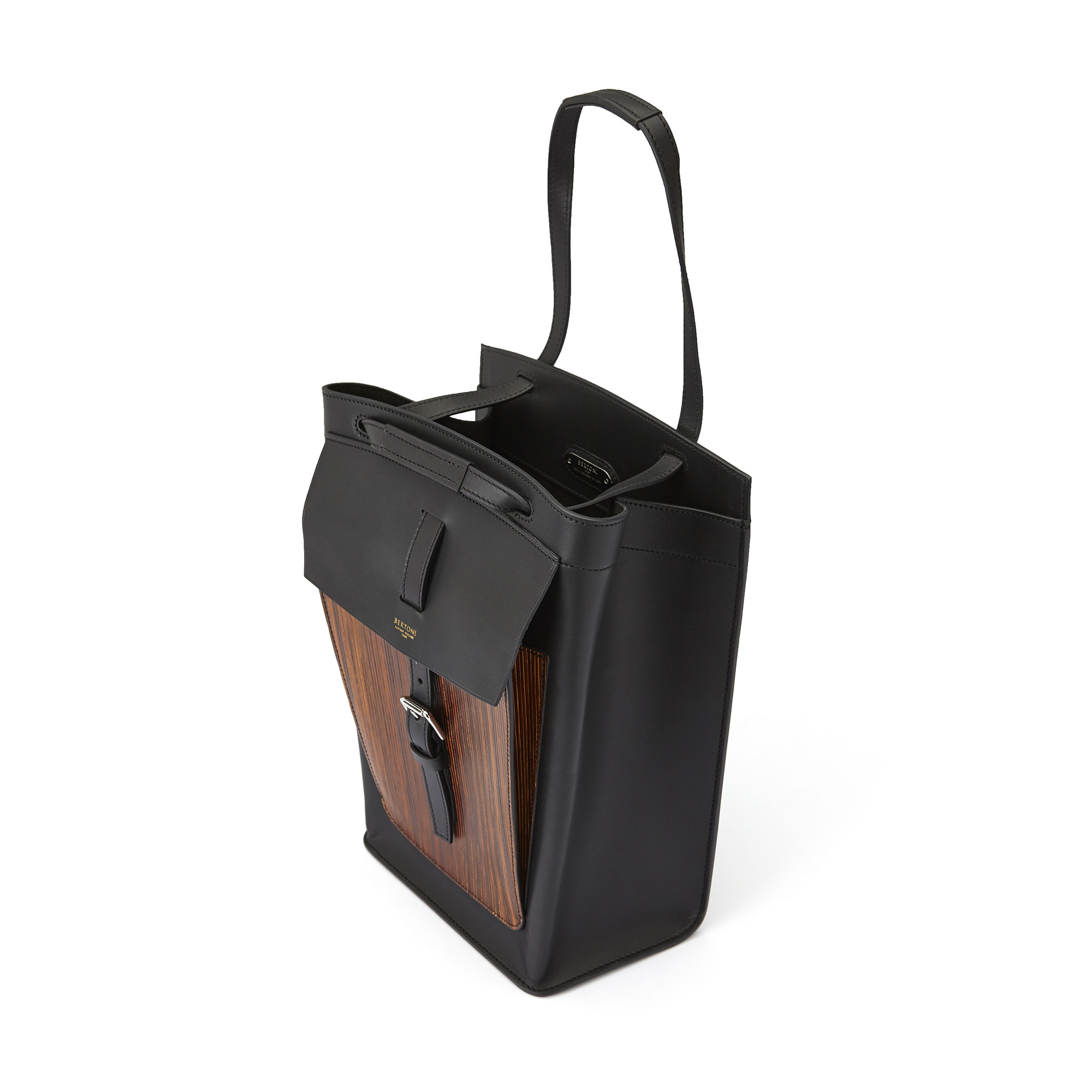 The black french calf, wood leather Arizona bucket bag by Bertoni 1949 03