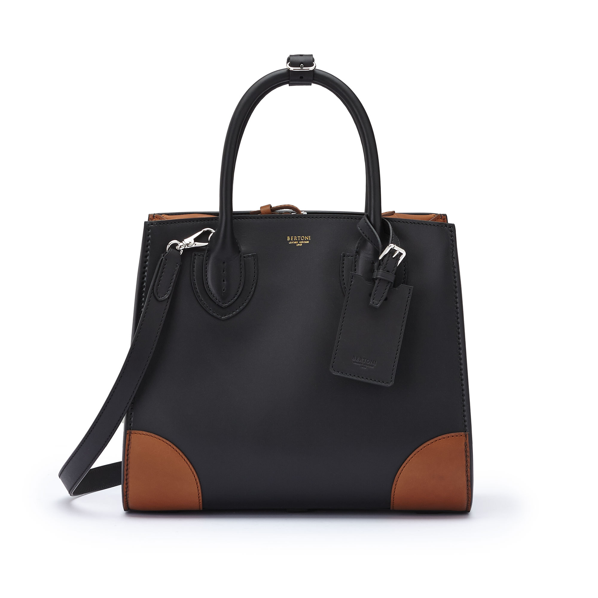 The black terrabruciata french calf Darcy large bag by Bertoni 1949 01