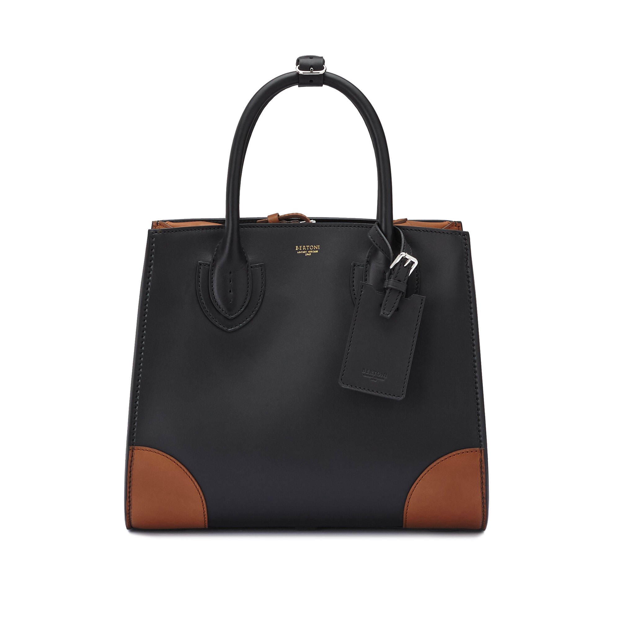 The black terrabruciata french calf Darcy large bag by Bertoni 1949 02