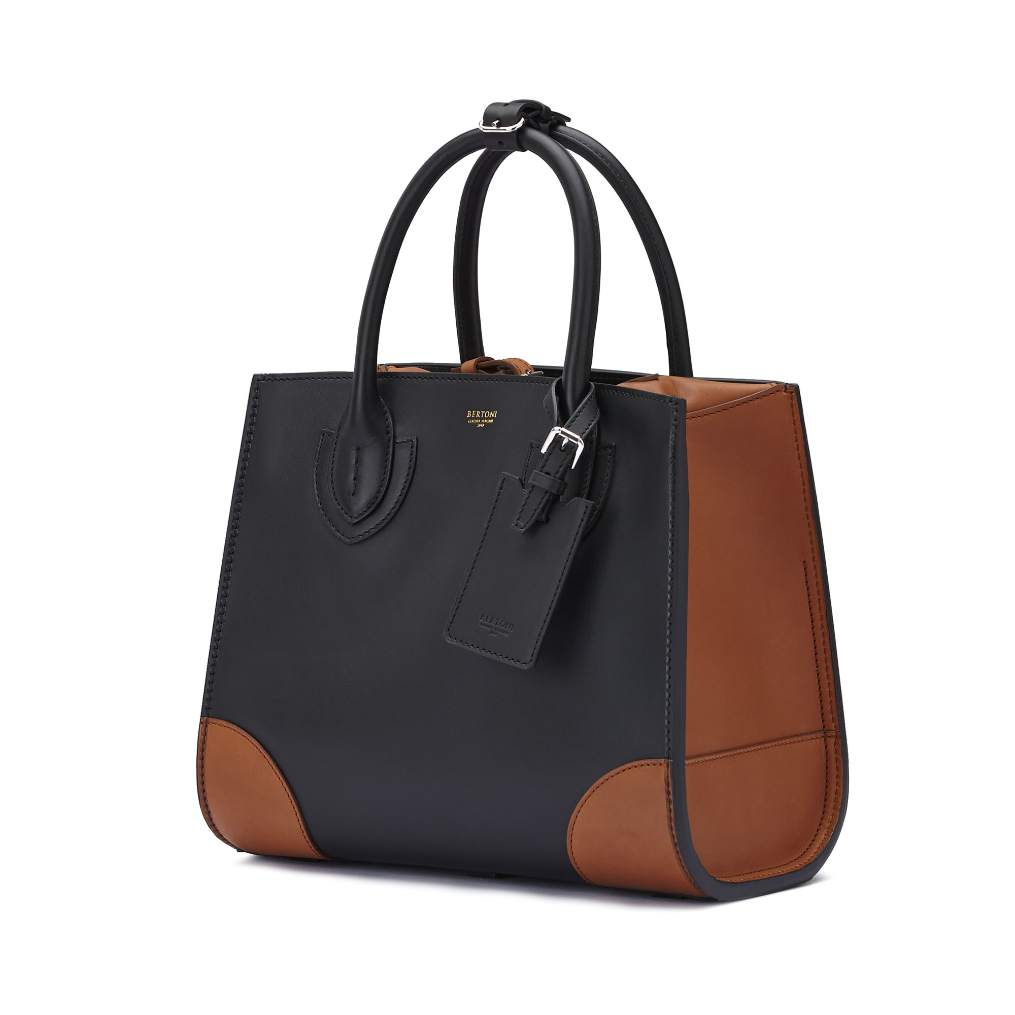 The black terrabruciata french calf Darcy large bag by Bertoni 1949 03
