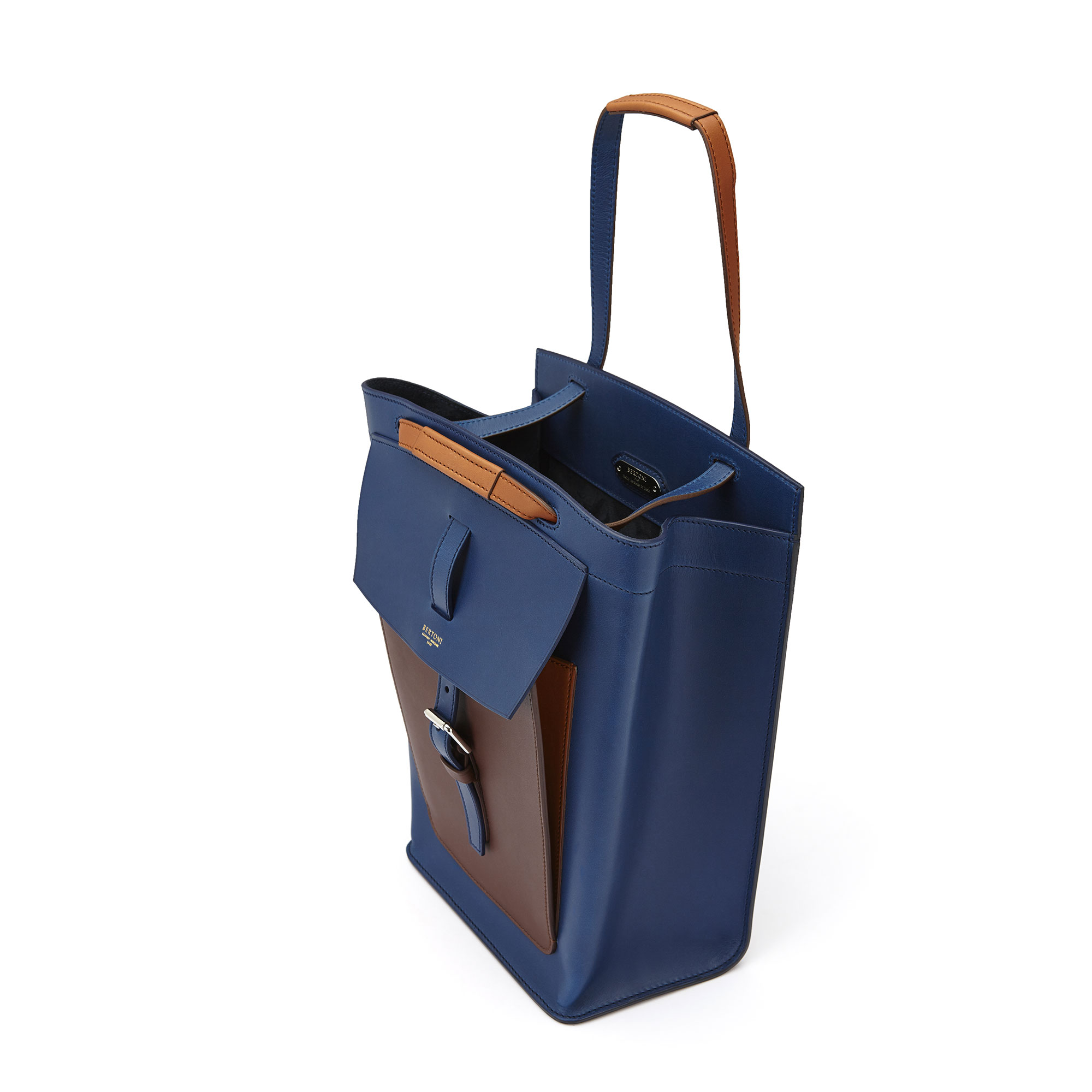 The blue, terrabruciata and brown french calf Arizona bucket bag by Bertoni 1949 03