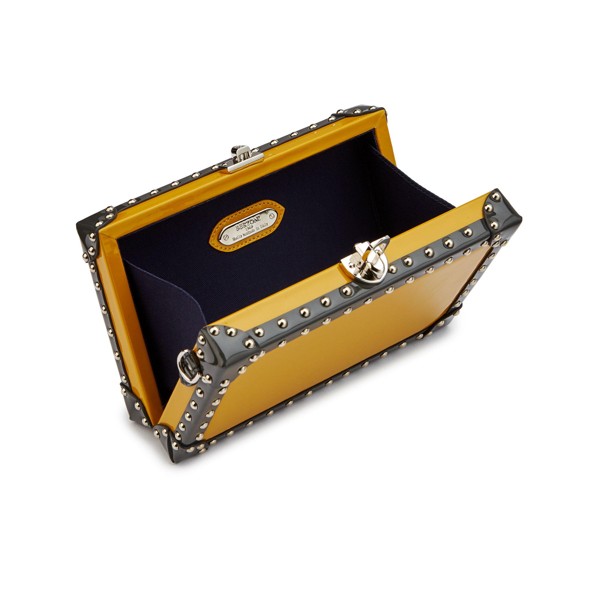 Box-Bertoncina-mustard-patent-leather-bag-Bertoni-1949_03