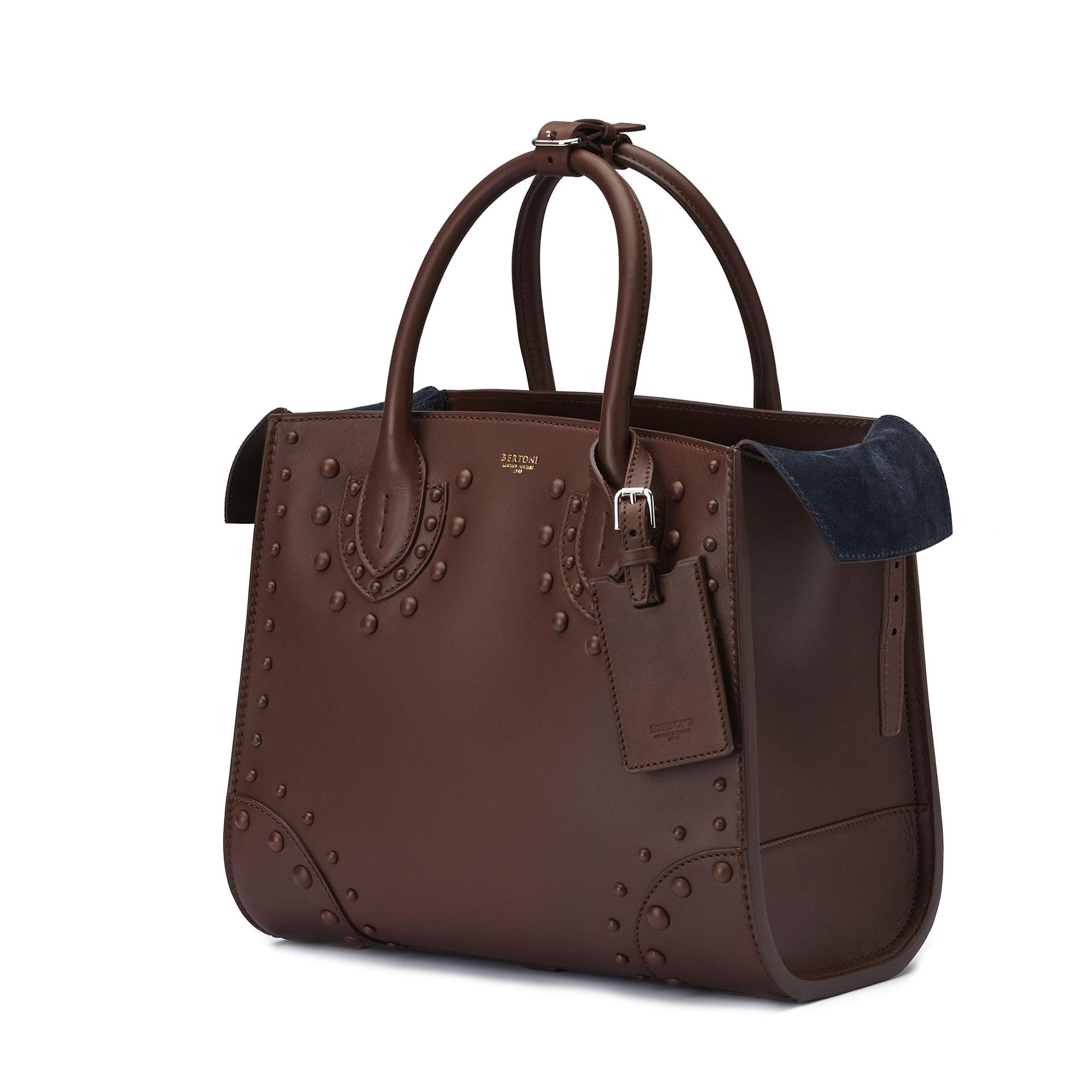 The brown french calf Darcy medium bag by Bertoni 1949 04