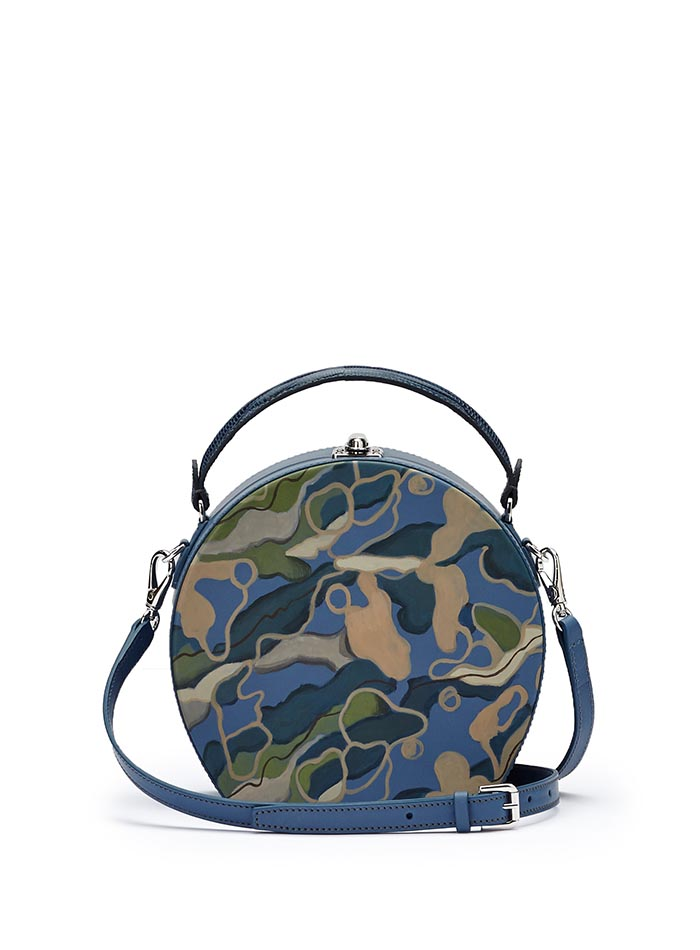 The hand-painted camouflage effect soft calf Regular Bertoncina bag by Bertoni 1949