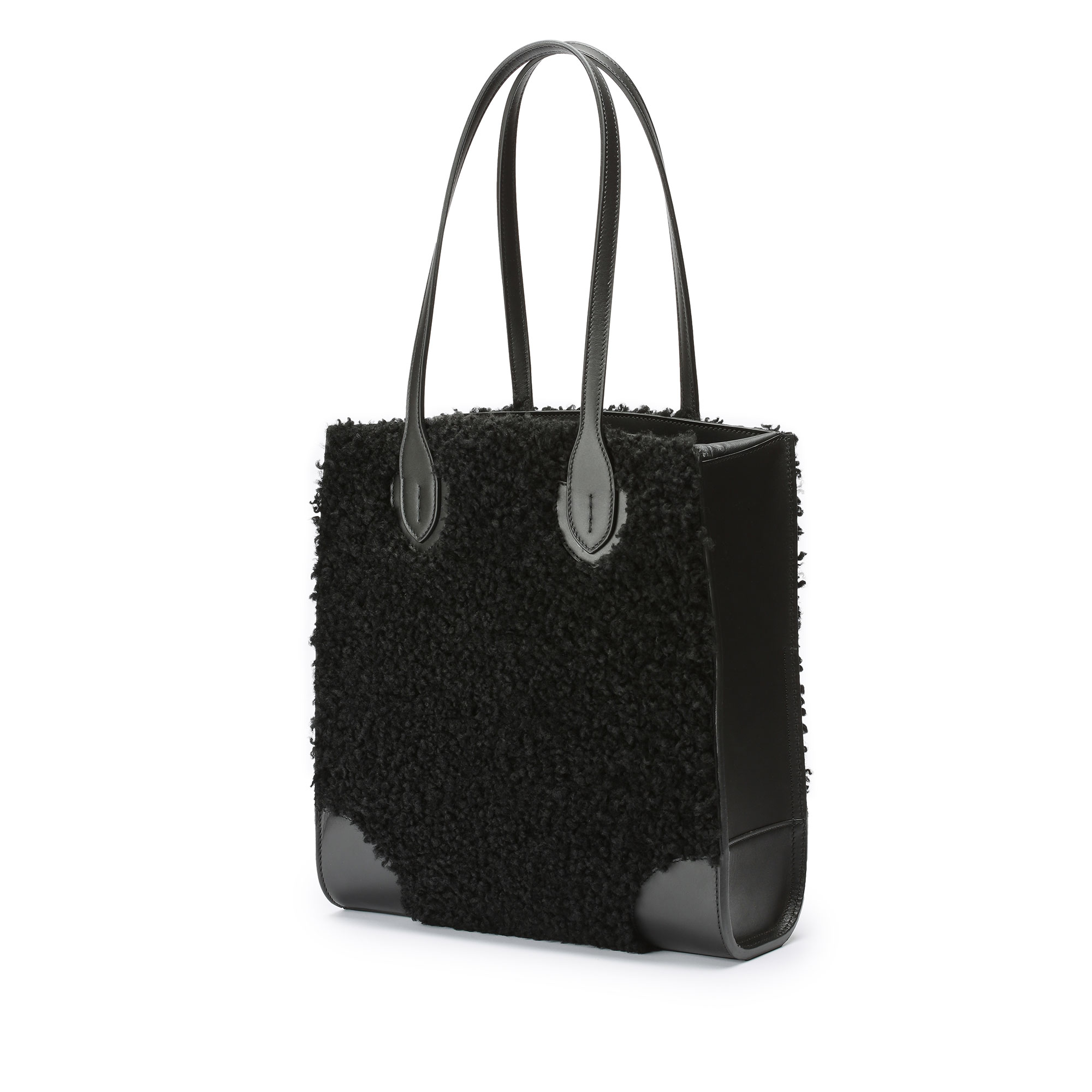 Darcy-Tote-black-shearling-bag-Bertoni-1949_01