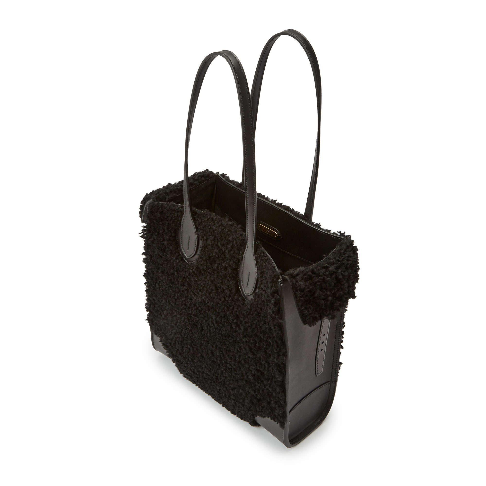 Darcy-Tote-black-shearling-bag-Bertoni-1949_03