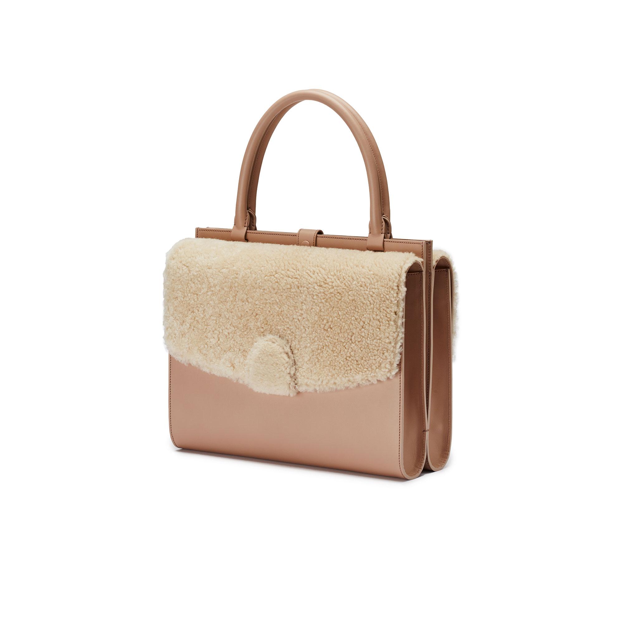 Double-Dafne-nude-rose-shearling-bag-Bertoni-1949_01