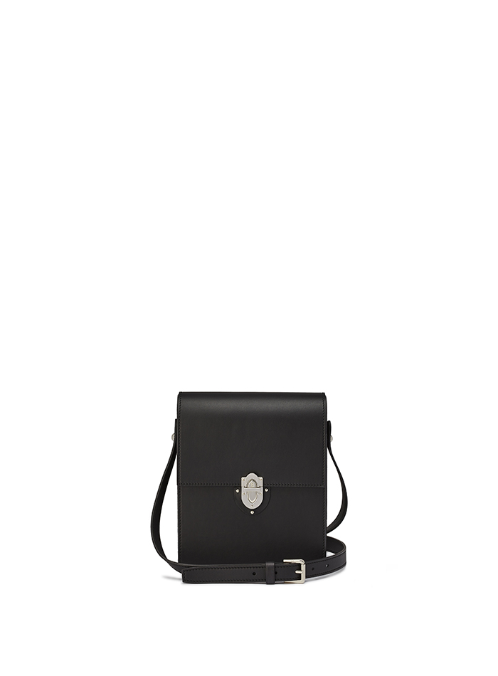 Gigi-black-french-calf-bag-Bertoni-1949-thumb