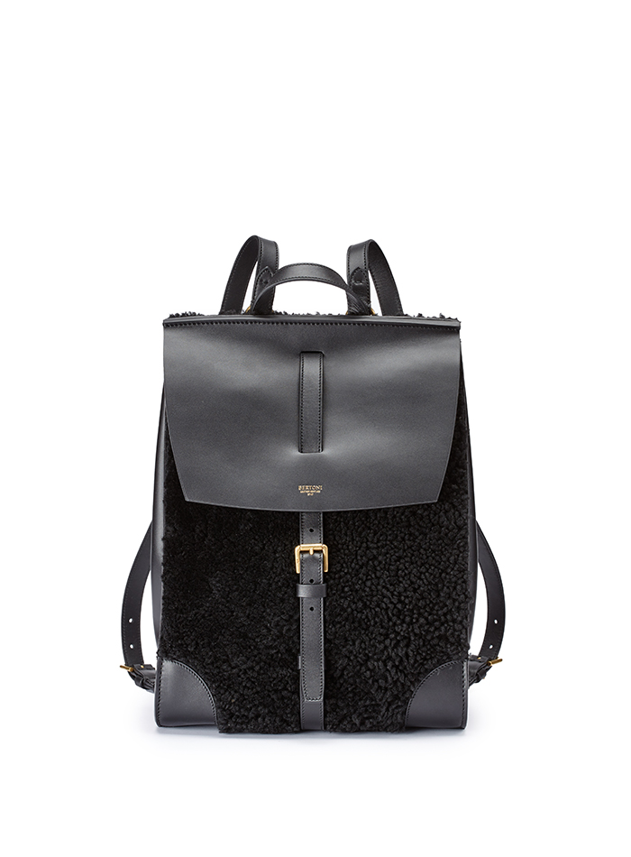 Julia-black-shearling-backpack-Bertoni-1949-thumb