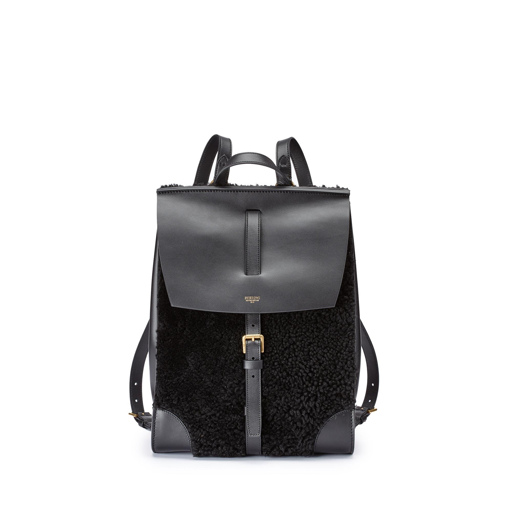 Julia-black-shearling-backpack-Bertoni-1949