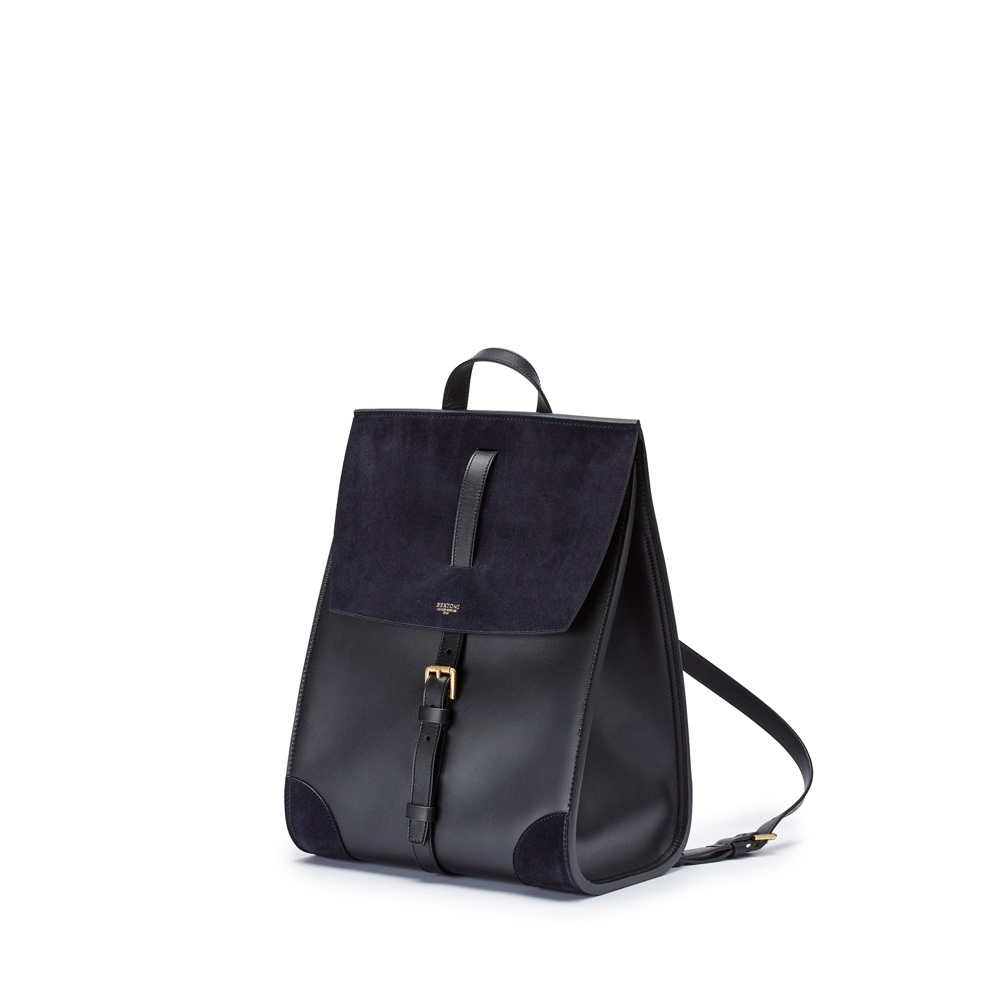 Julia-black-suede-backpack-Bertoni-1949_01