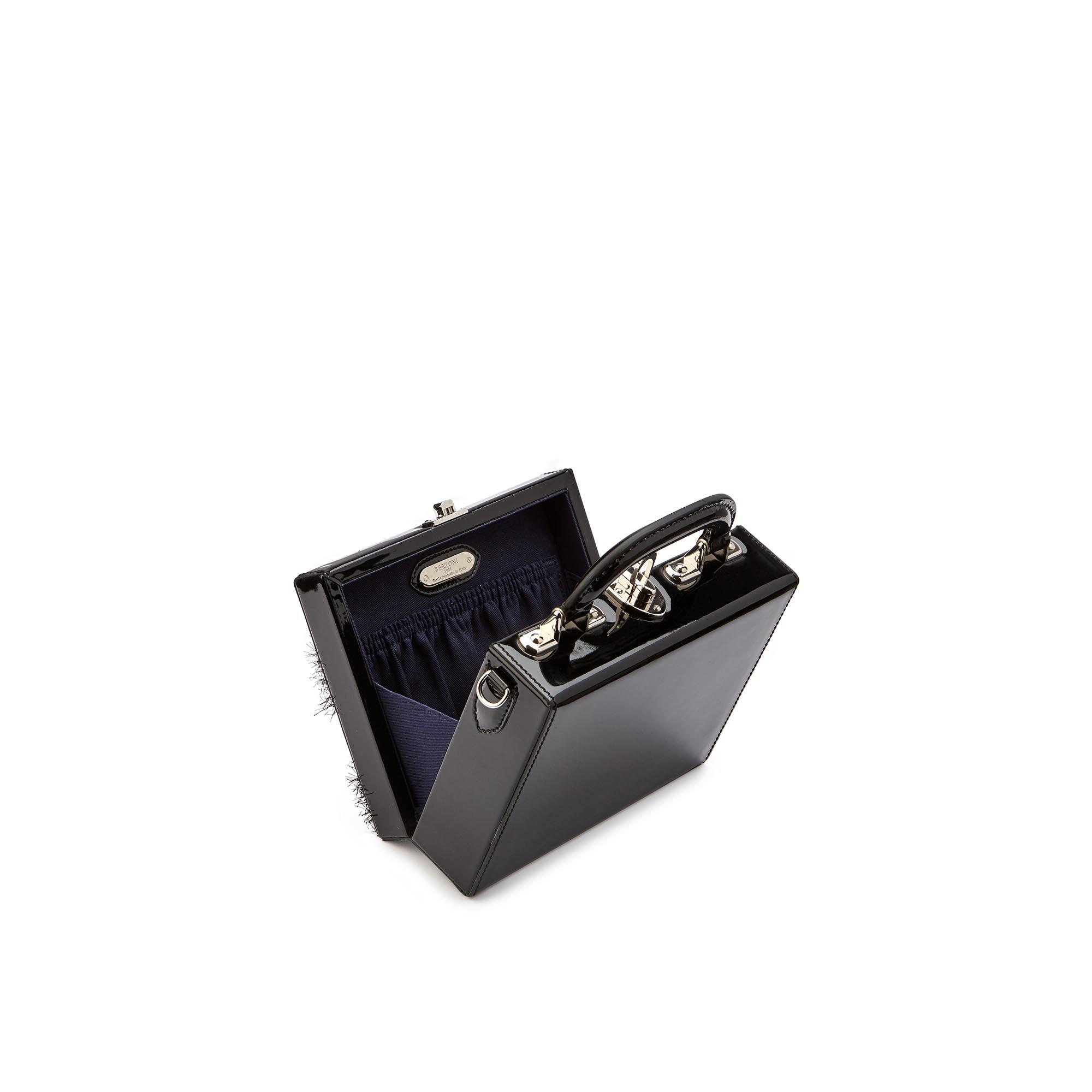 Mini-Squared-Bertoncina-black-patent-leather-Bertoni-1949_03