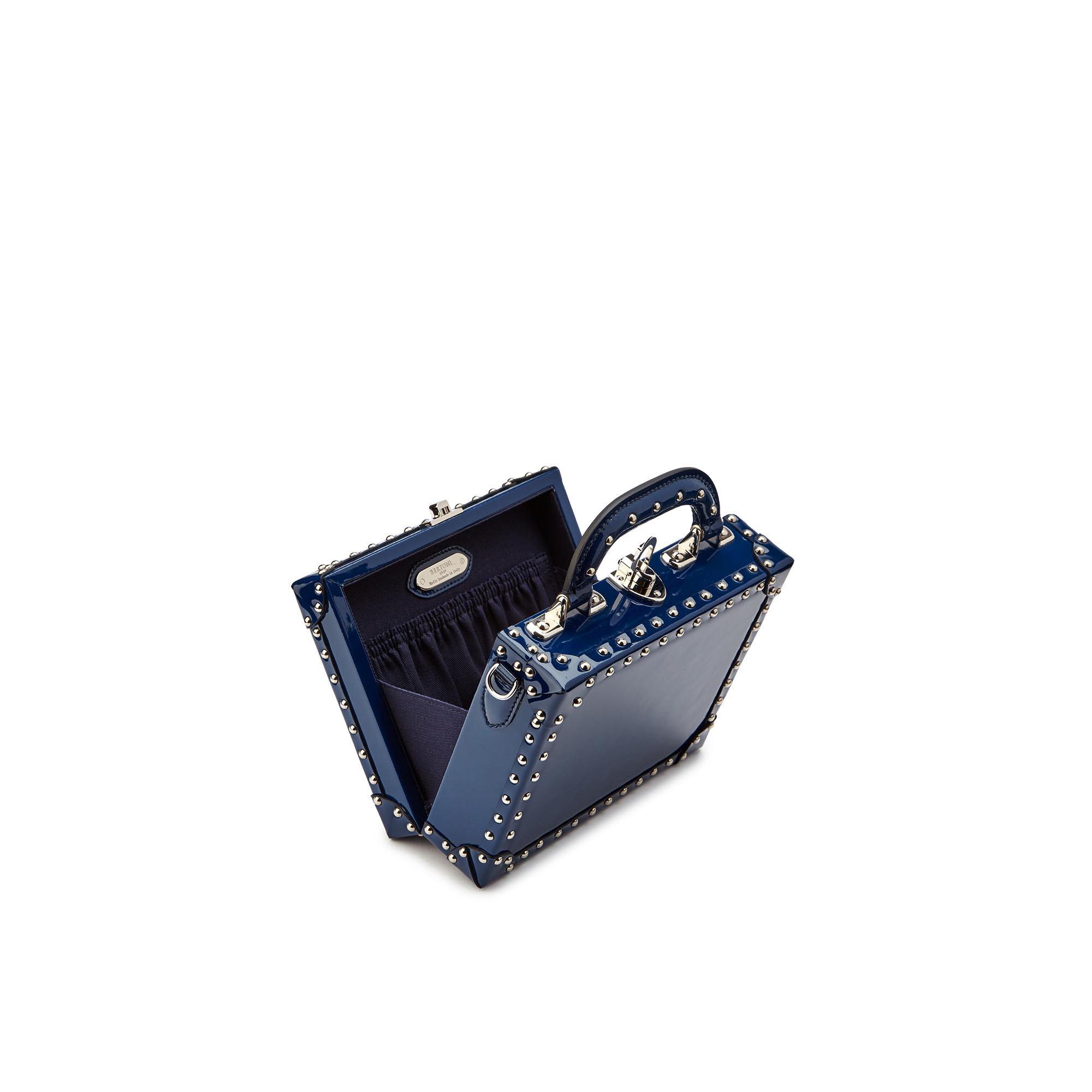 Mini-Squared-Bertoncina-dark-blue-studded-patent-leather-Bertoni-1949_03