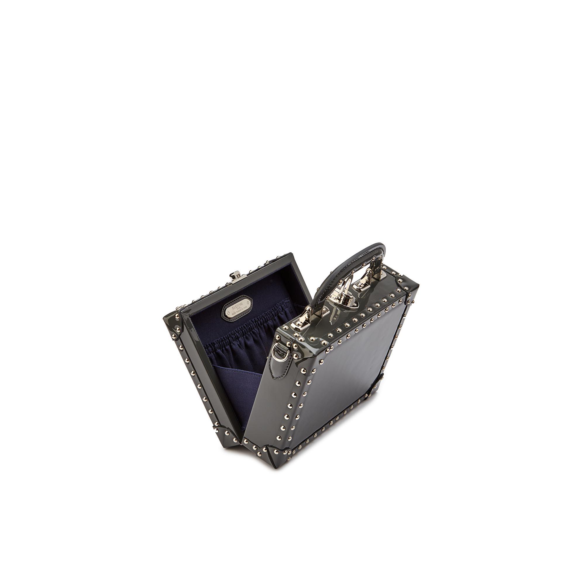 Mini-Squared-Bertoncina-grey-studded-patent-leather-Bertoni-1949_03