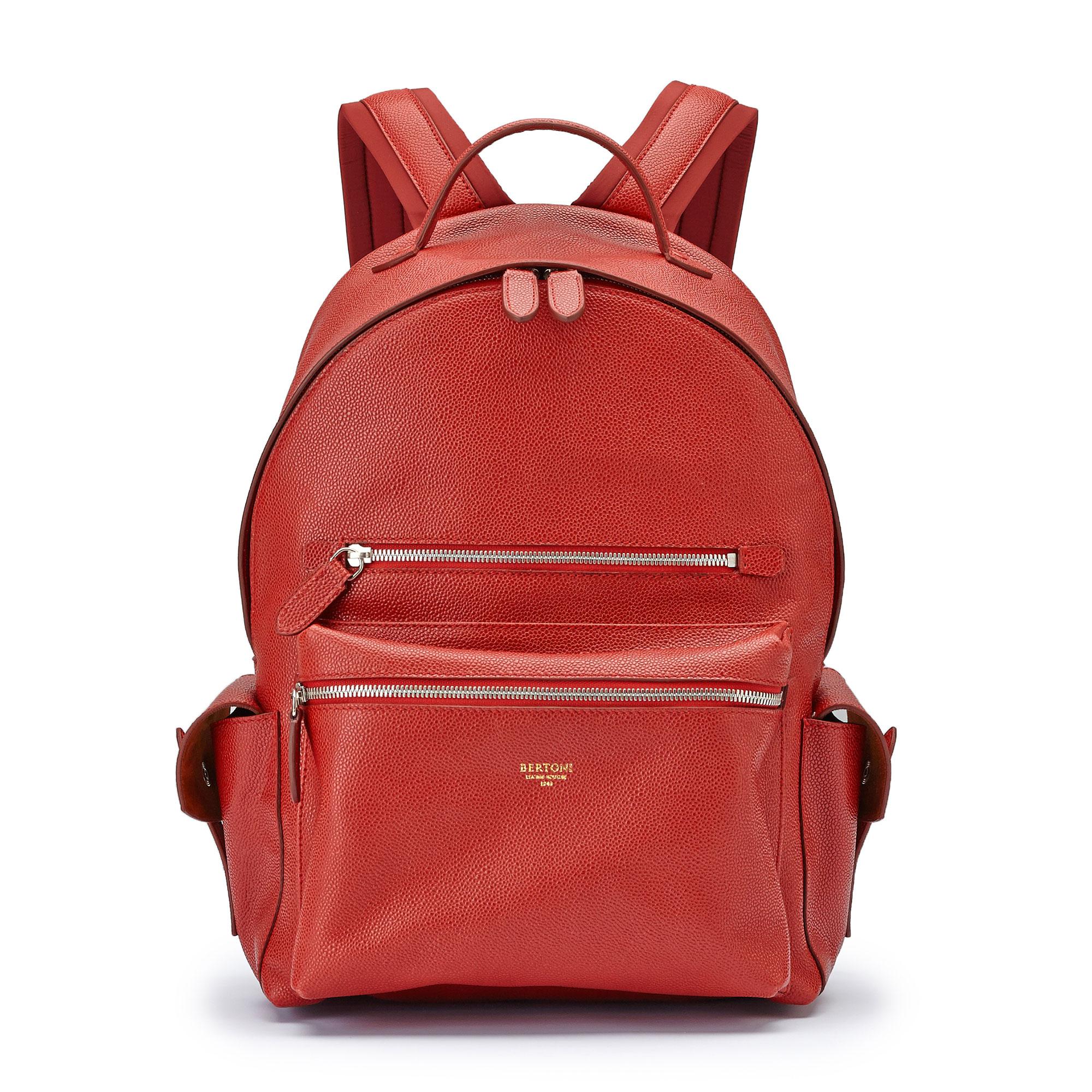 The red grain calf Zip Backpack by Bertoni 1949 01