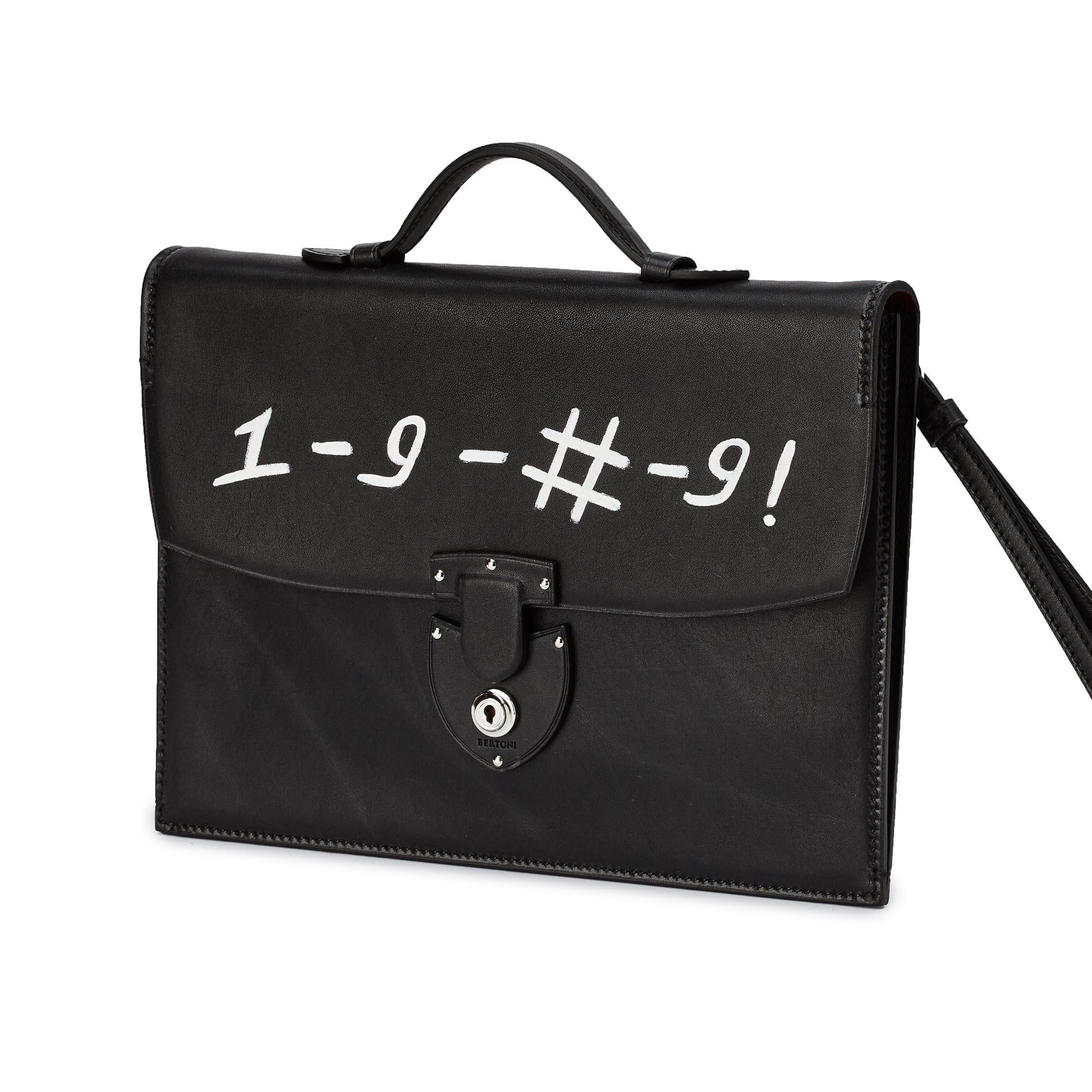 Signature-Biker-black-rock-calf-bag-Bertoni-1949_01