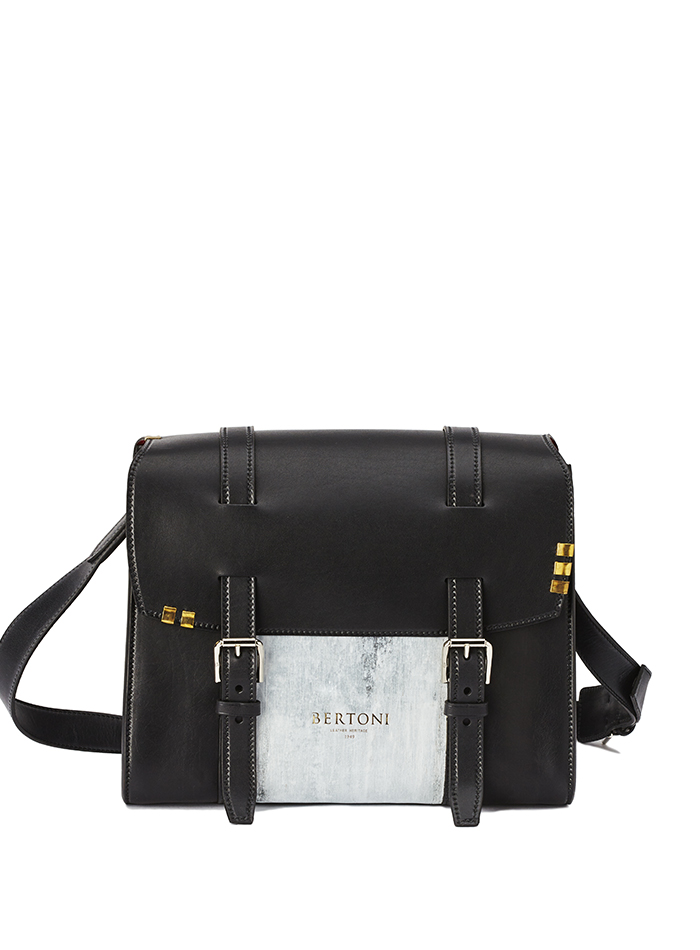 Signature-Messenger-black-rock-calf-bag-Bertoni-1949-thumb