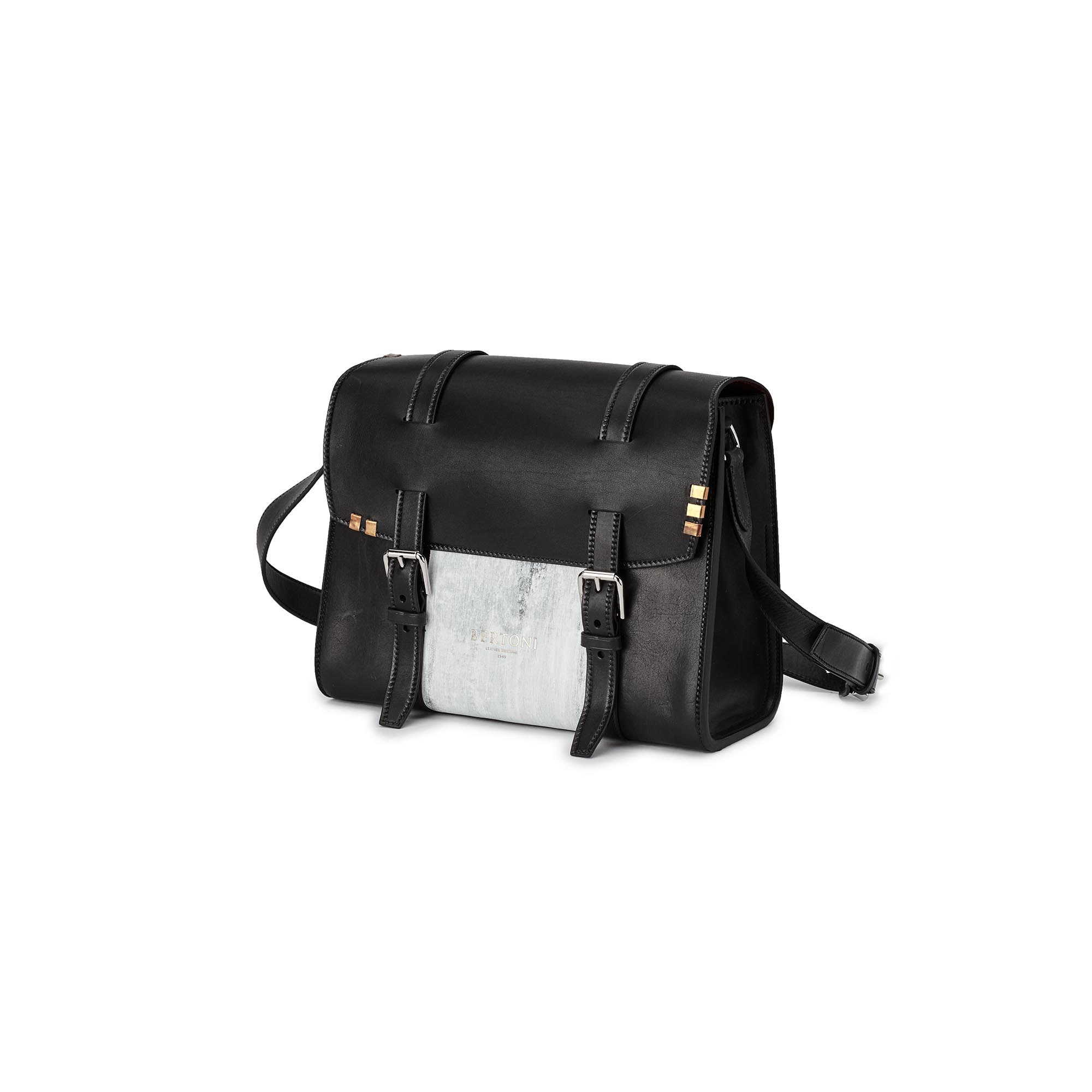 Signature-Messenger-black-rock-calf-bag-Bertoni-1949_01