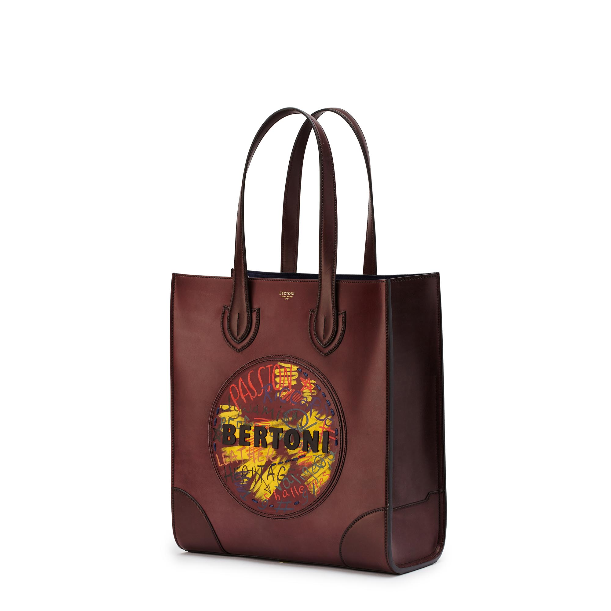 Signature-Tote-bordeaux-french-calf-bag-Bertoni-1949_02