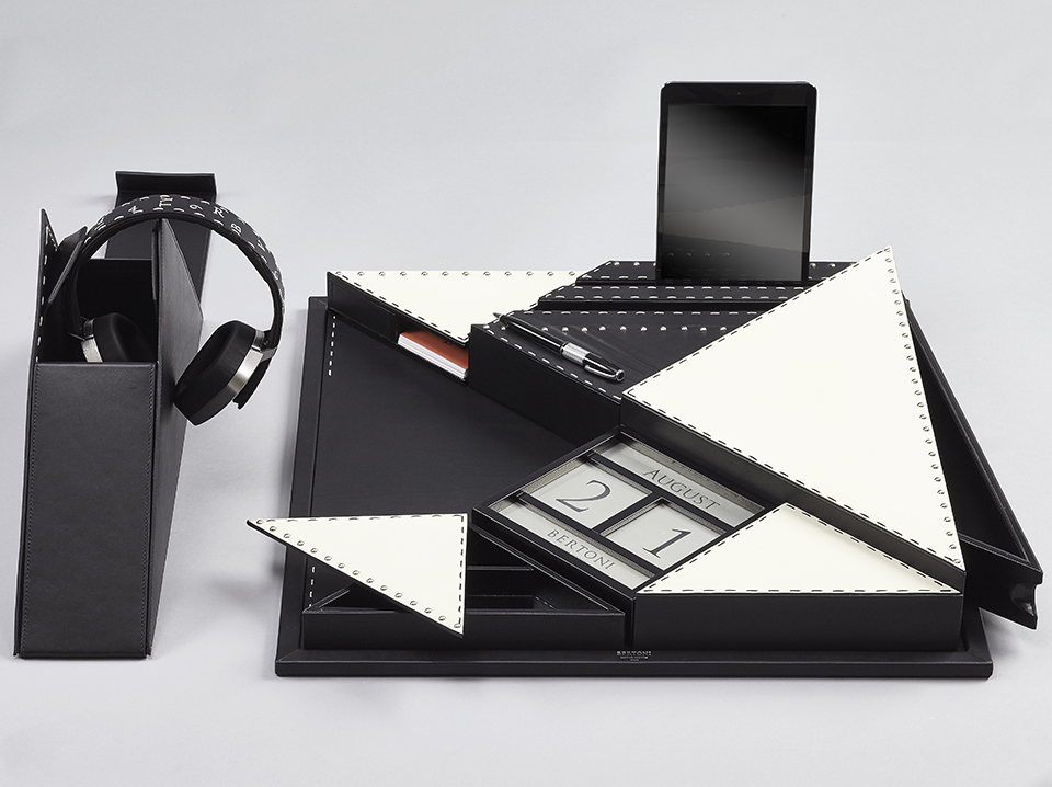 Bertoni 1949 presents Tangram