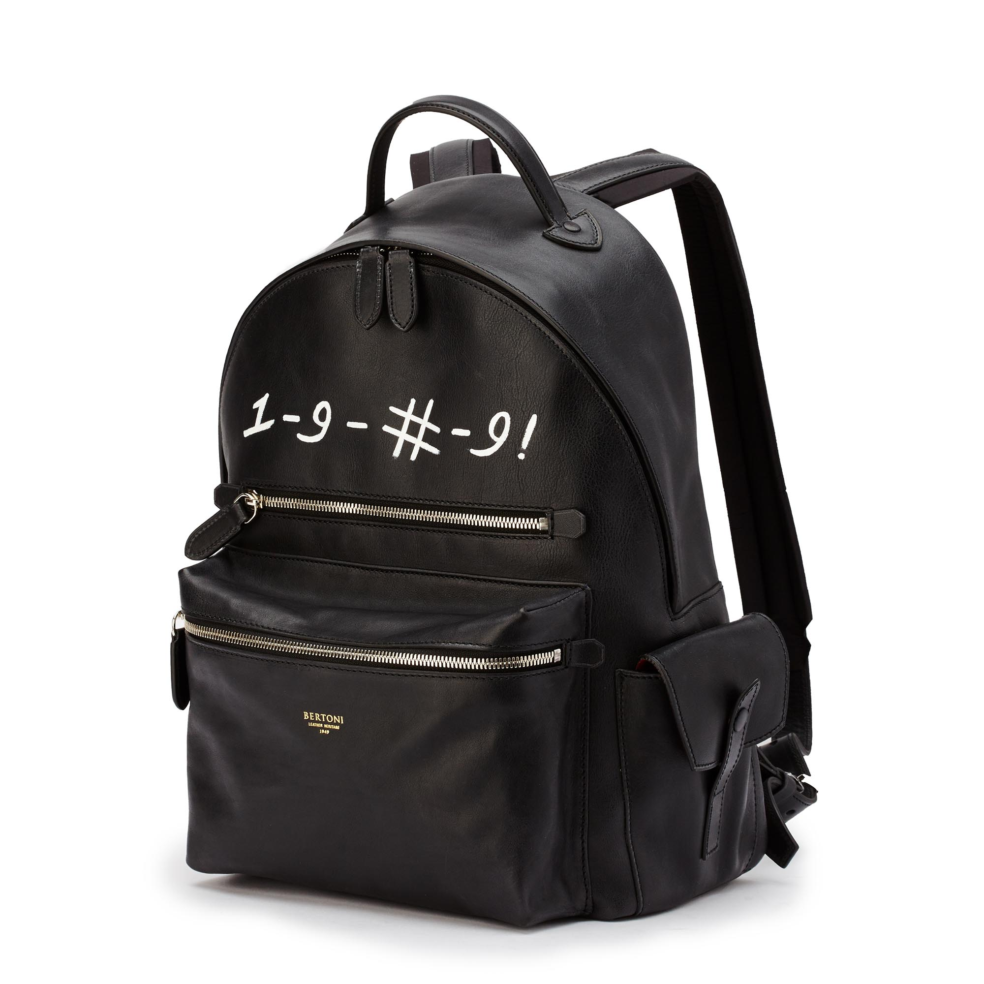 Zip-Backpack-black-rock-calf-Bertoni-1949_01