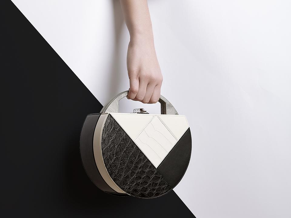 Bertoni 1949 and Hangar Design Group present the new Mùn bag